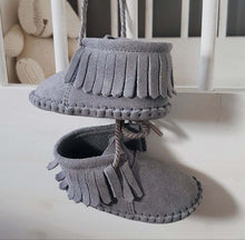 Load image into Gallery viewer, Baby - Suede Fringe Booties - Grey Rocks!