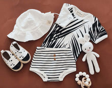 Afbeelding in Gallery-weergave laden, Baby Bodysuit - Short Sleeves - Palm
