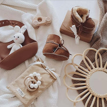 Load image into Gallery viewer, Baby - Lammy Booties - Caramel