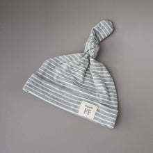 Load image into Gallery viewer, Knot Hat - Grey