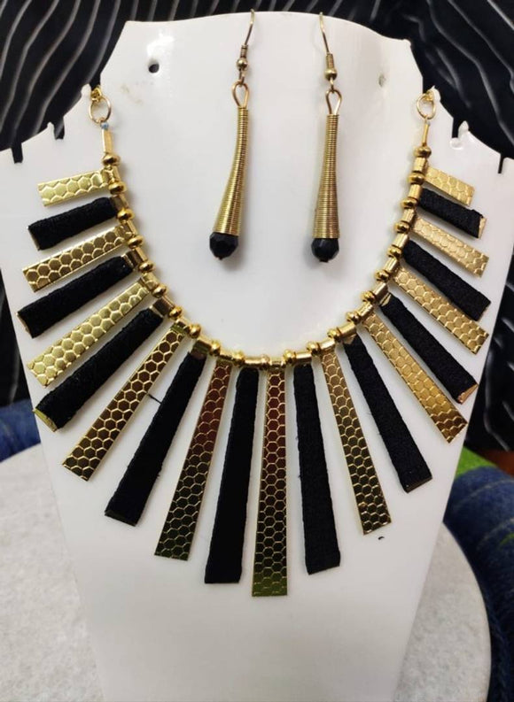 Trendy Designer Western Style Necklace Set