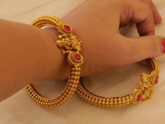 New Stylish Gold Bangles for Women