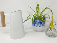 Load image into Gallery viewer, Blue and White Bubble Pot 5""