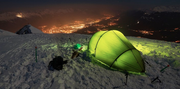 5 Must-Have Gadgets for Your Next Camping Trip
