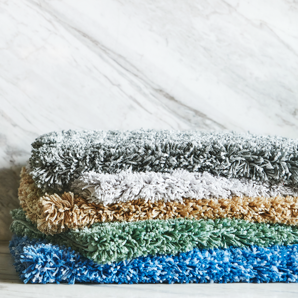 INTERMIX Bath Rugs