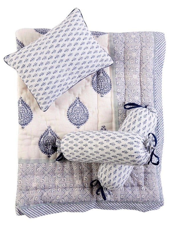 FORT CRIB BEDDING SET (4-Piece)