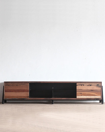 Cinema Club Entertainment Unit (220)