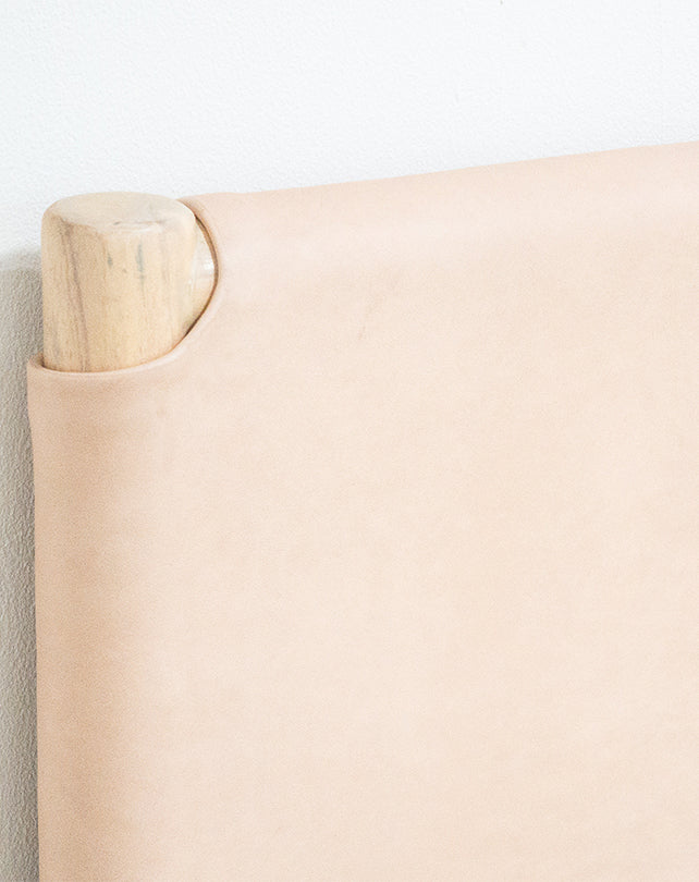 Seed Head Board Flat Leather Natural Queen