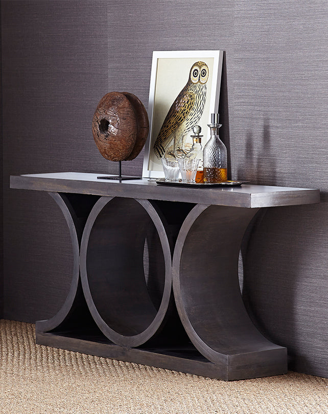 Lagerfield Console