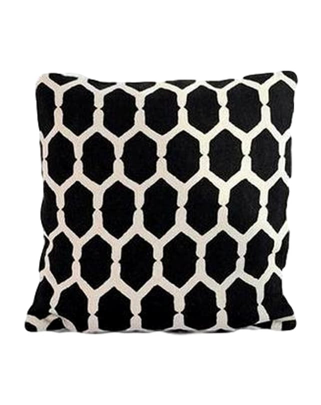 Gardenia Black cushion