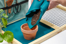 Load image into Gallery viewer, Plantfolio - The Indoor Potting Station