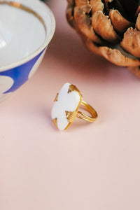 ART DECO MOTHER OF PEARL RING