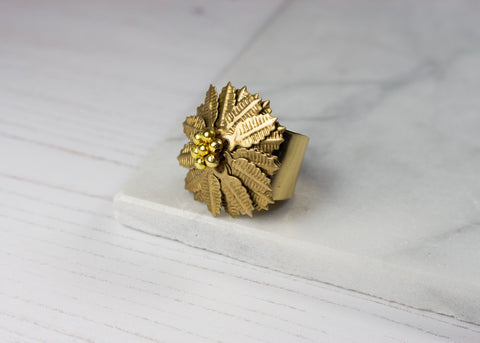 HALF PRICE!! STATEMENT FLOWER RING