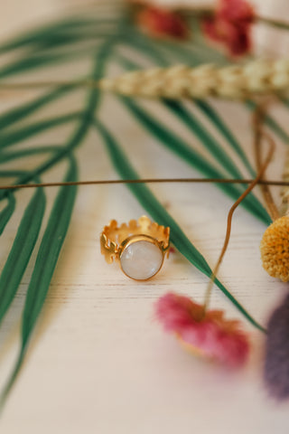 MOONSTONE VINE RING