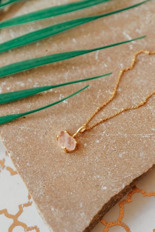 ROSE QUARTZ RAW CUT NECKLACE