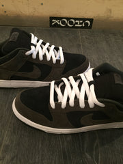 *new* Nike SB Dunk Low Un-Loden 12 DS