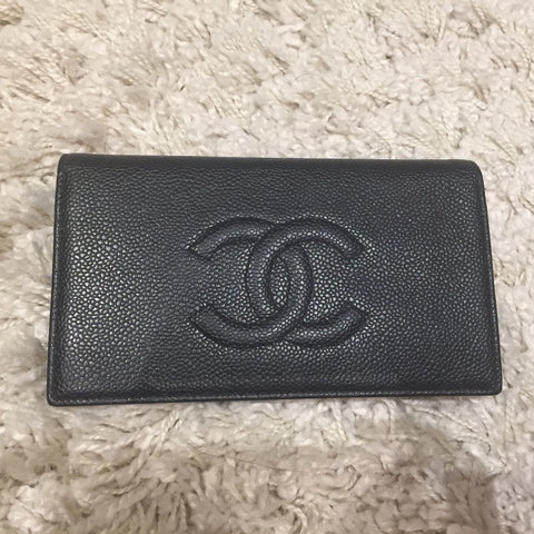 *new* Chanel Caviar Leather Bi-fold Wallet