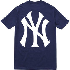 *new* Supreme Yankees Box Logo Tee (Navy)