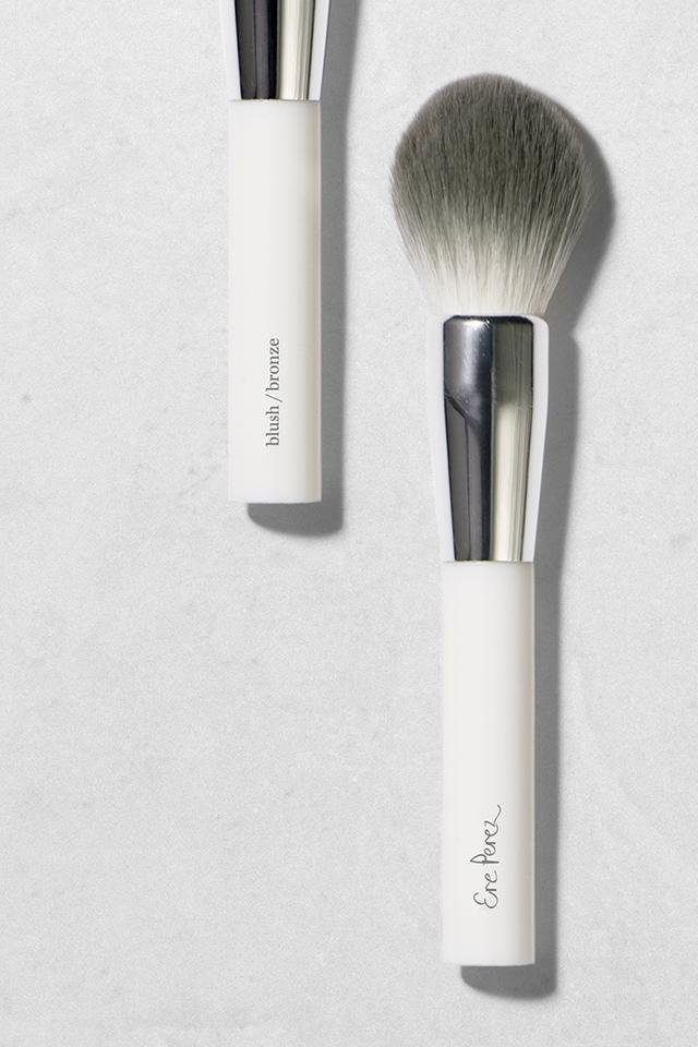Ere Perez eco vegan blush & bronze brush - The Beauty Garden Boutique