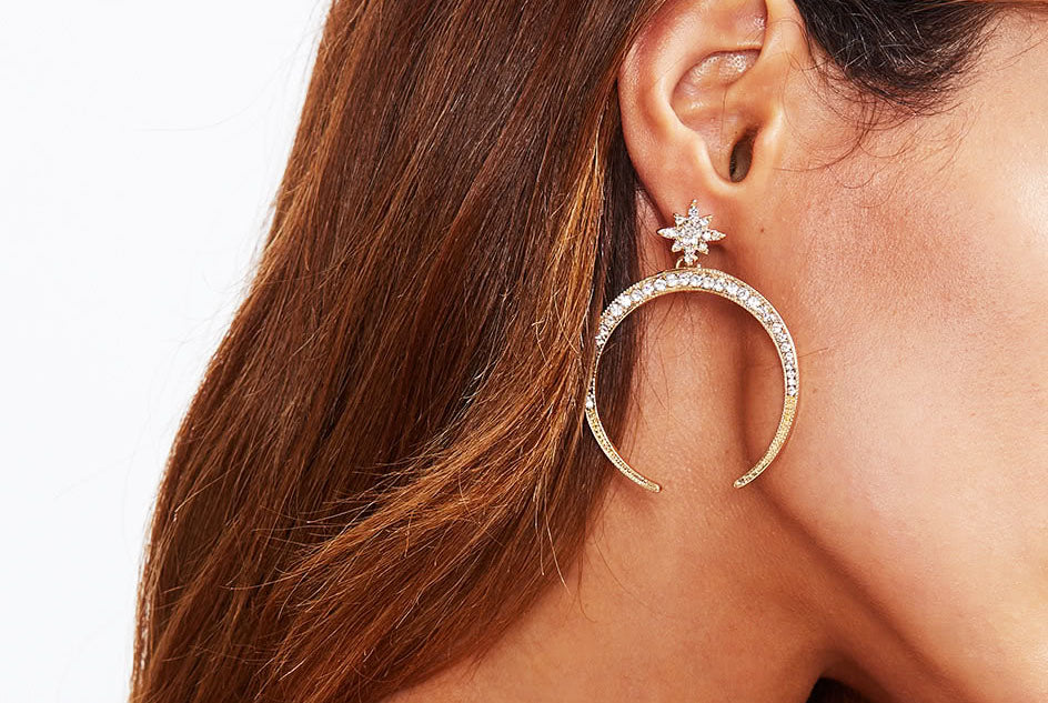 Alqamar Rhinestone Moon Horn earrings - Gold