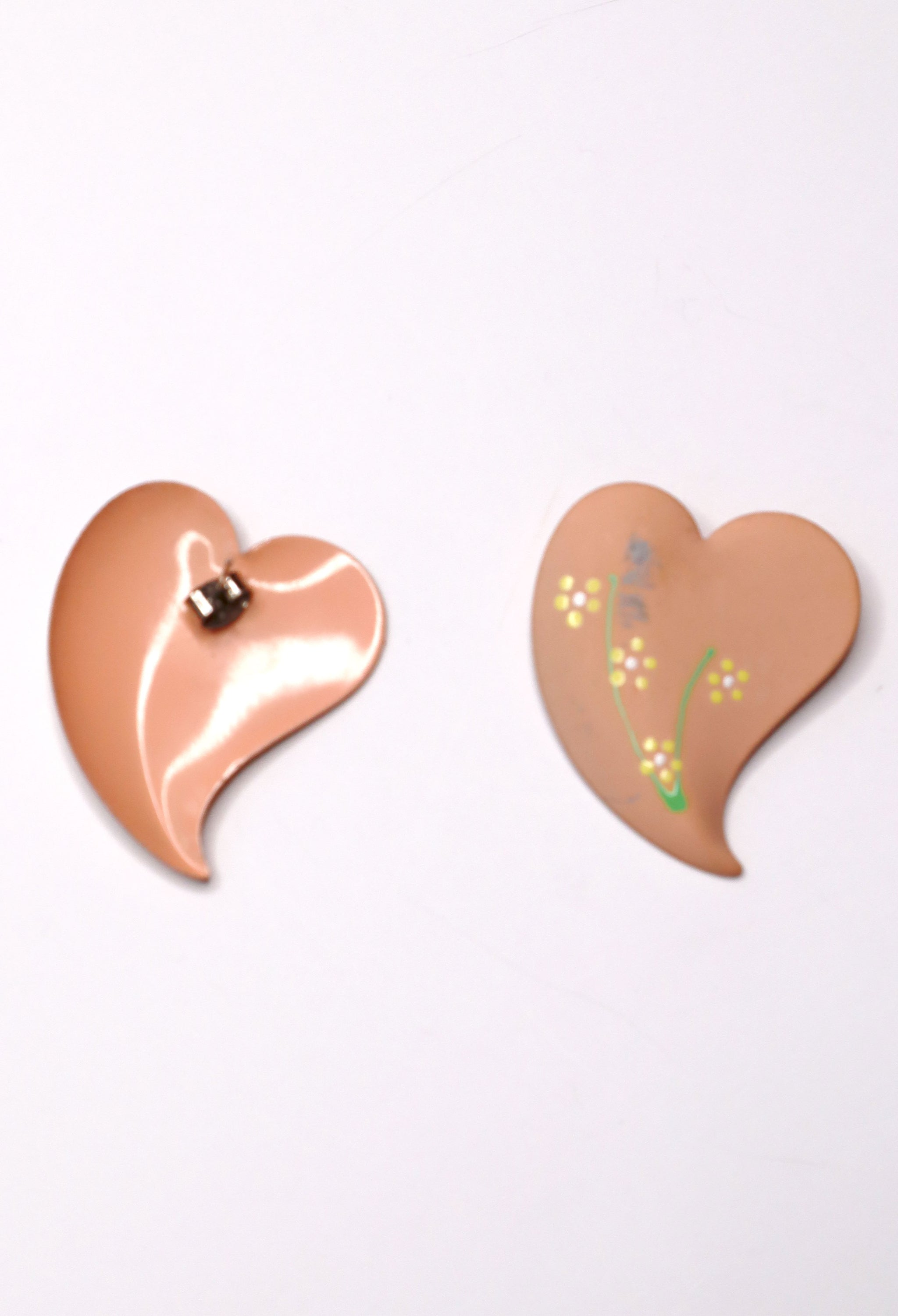 Vintage 70s Peachy Heart Earrings