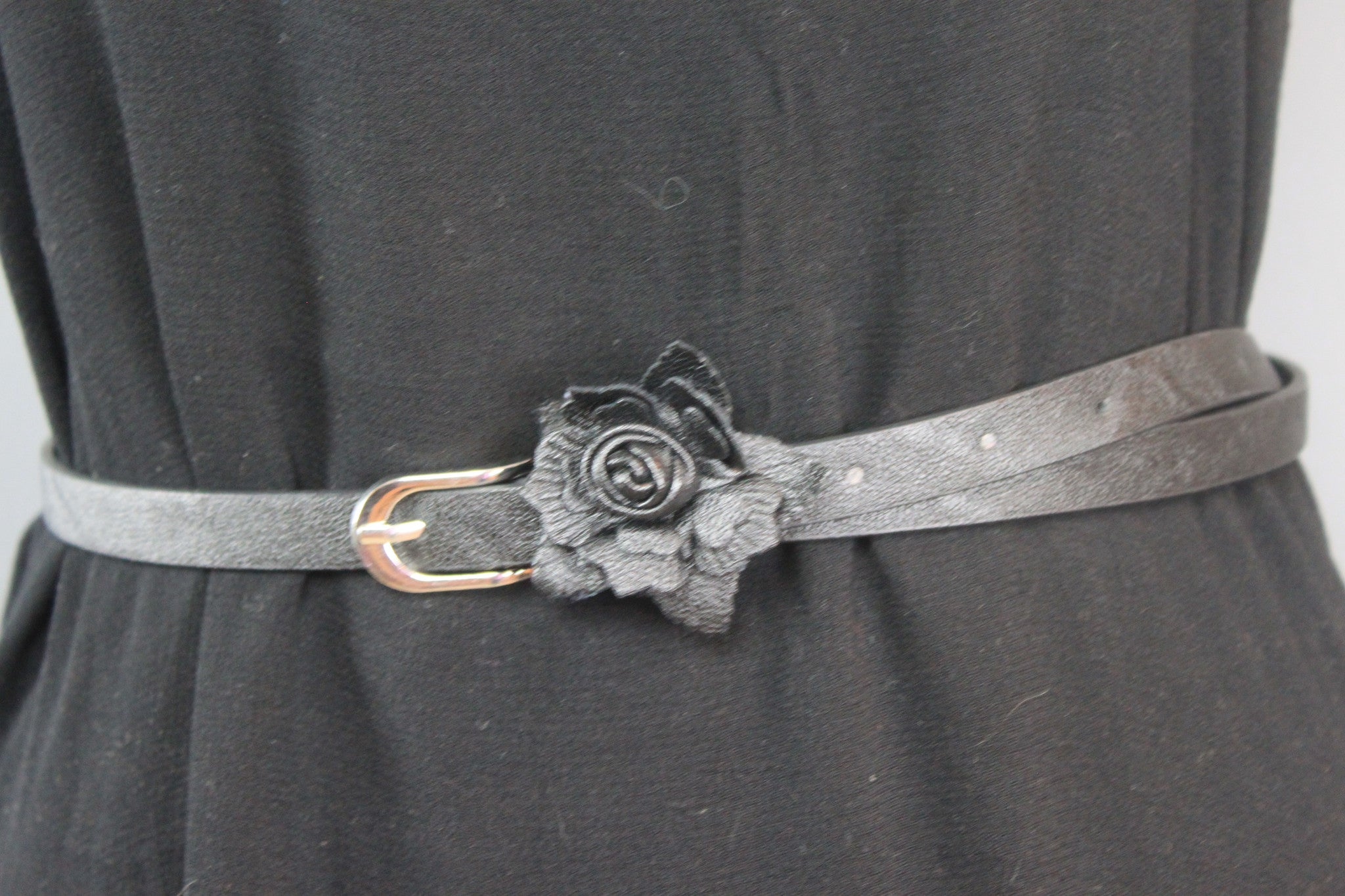 Flower of Love Skinny Belt (pink or black)