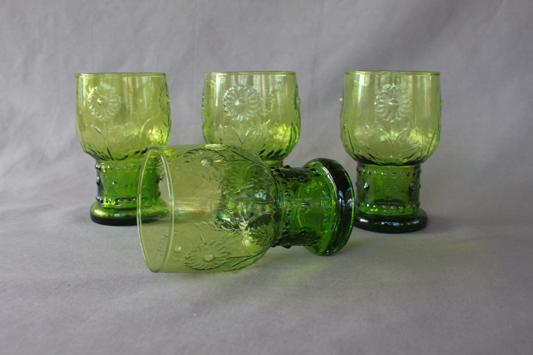Vintage 70s Avocado Green Juice Tumblers (1 set)