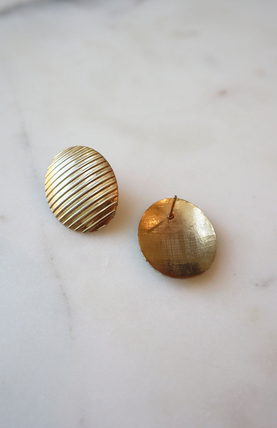 Vintage Gold Ribbed Oval Earrings