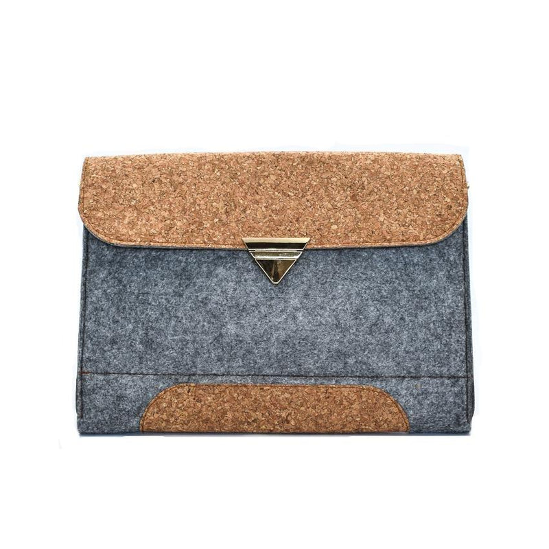 Vegan laptop case made from cork and cotton felt. Can be used for macbook pro and macbook air. Luxury design.