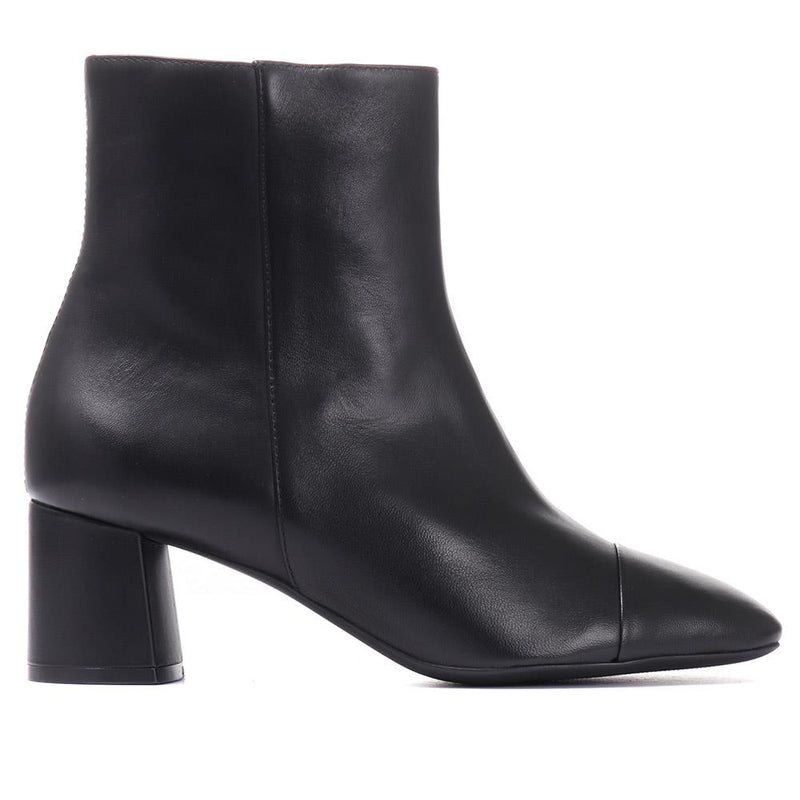 Natalie Heeled Leather Ankle Boot - GLO30504 / 316 906