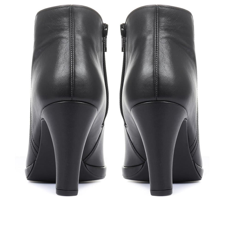 Yang Heeled Ankle Boots - GAB32509 / 319 144
