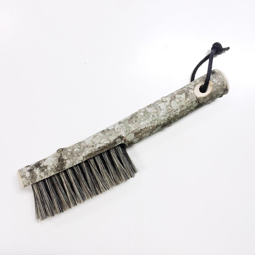 Clothes brush in Beechwood from Cloud 7