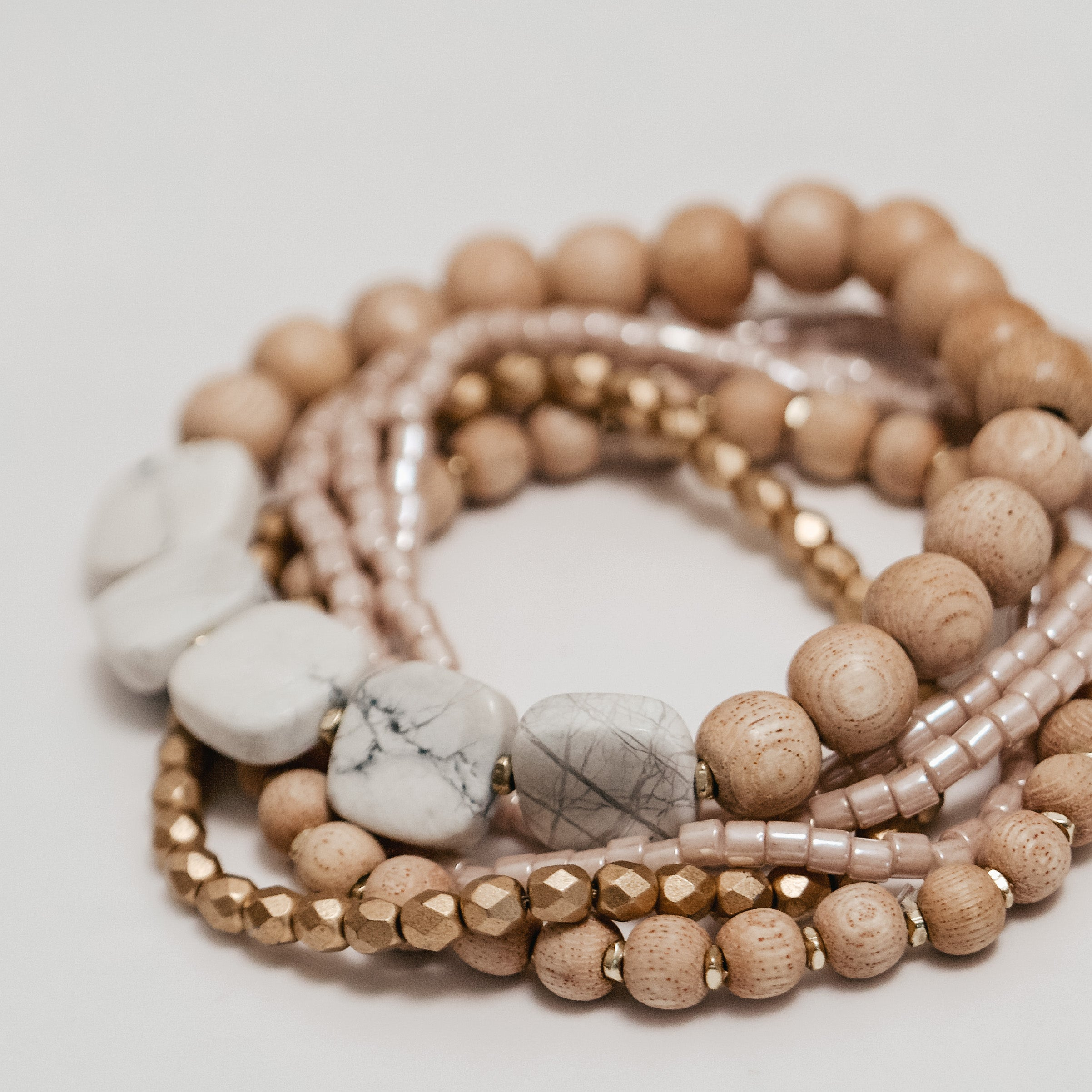 Ava || Howlite and Rosewood classic set