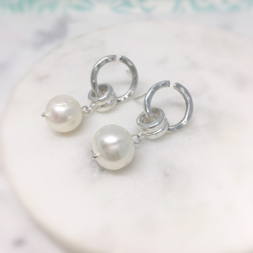 Michelle- Drop Pearl Earrings