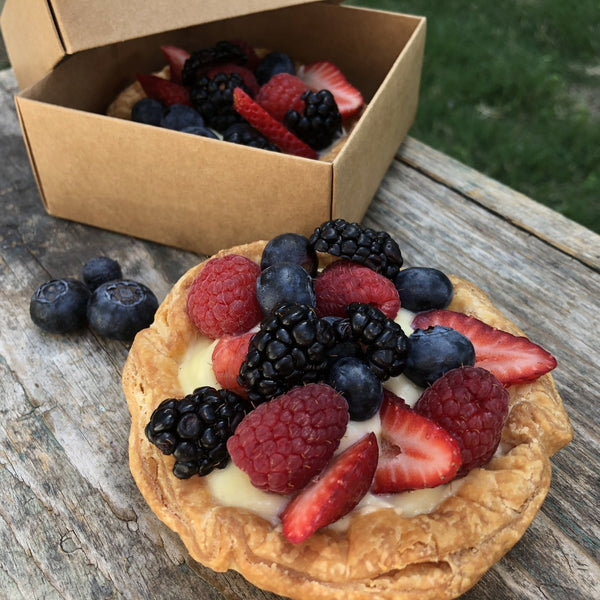 May Special: Mixed Berry Tart