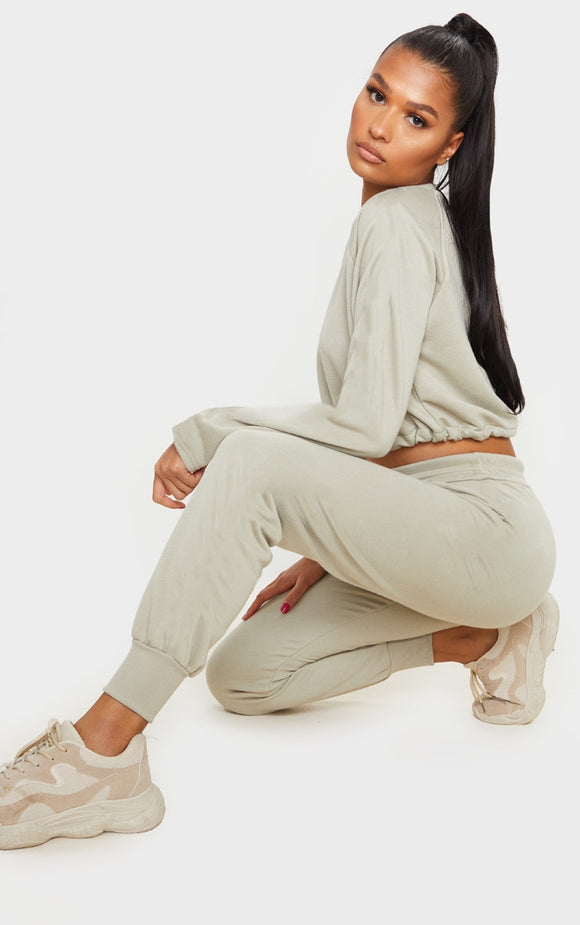 Prettylittlething Sage Green Basic Joggers - fashion.type.com