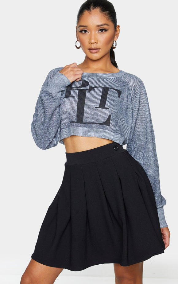 Prettylittlething Grey Knitted Crop Jumper - fashion.type.com