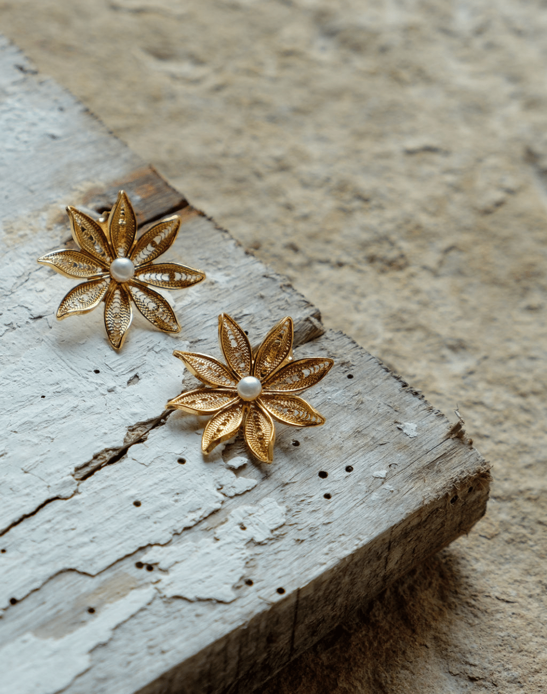 Aroz Flower Earrings