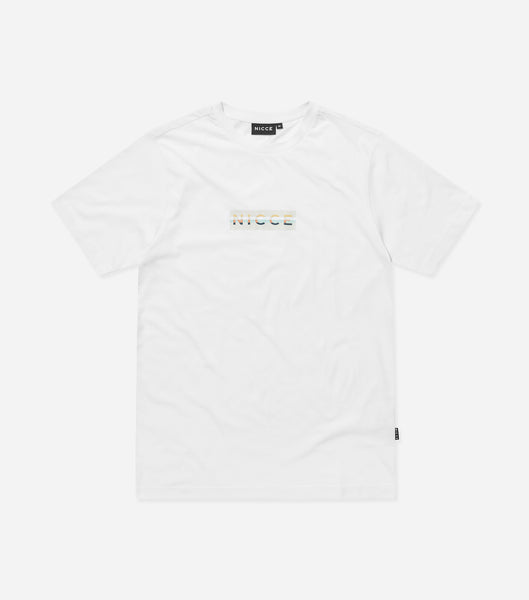 Hyam t-shirt in white. Featuring crew neck, short sleeves and box logo branding. Pair with joggers or denim.