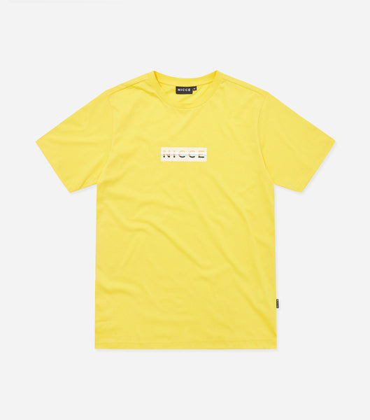 Hyam t-shirt in yellow. Featuring crew neck, short sleeves and box logo branding. Pair with joggers or denim.