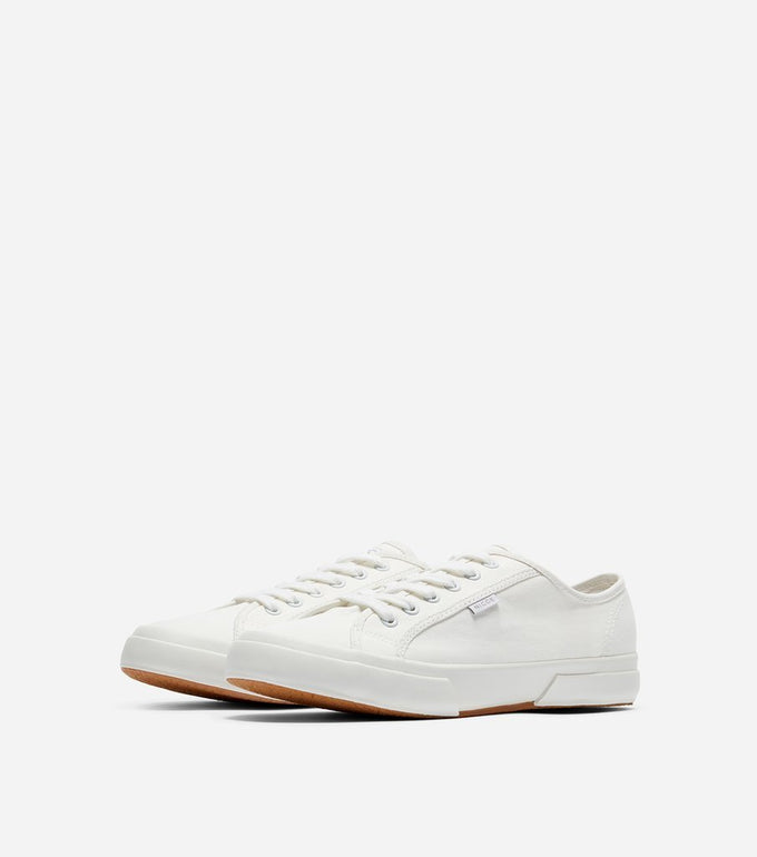 Affleck trainer in white.  Features casual style in a classic casual trainer, canvas material, low ankle, woven laces, thick rubber vulcanised sole, nicce tag branding.