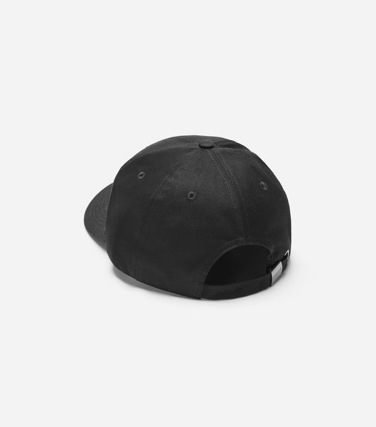 NICCE air cap in black. Features small filled embroidered logo, cotton canvas composition, internal branding and deboss NICCE clasp.