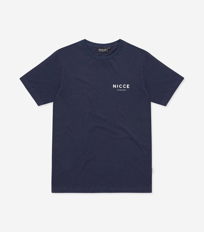 This essential short-sleeved t-shirt in stone is made from lightweight and comfortable fabric, it has a relaxed fit and features the NICCE original chest logo. A piece that can be worn on its own or as an easy extra layer.