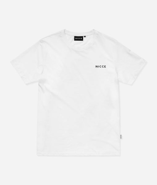 This white top features the large classic NICCE logo across the chest. A short-sleeved t-shirt is a style staple for any wardrobe and can be paired with jeans or joggers for casual comfort.