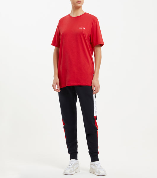 This red top features the large classic NICCE logo across the chest. A short-sleeved t-shirt is a style staple for any wardrobe and can be paired with jeans or joggers for casual comfort.