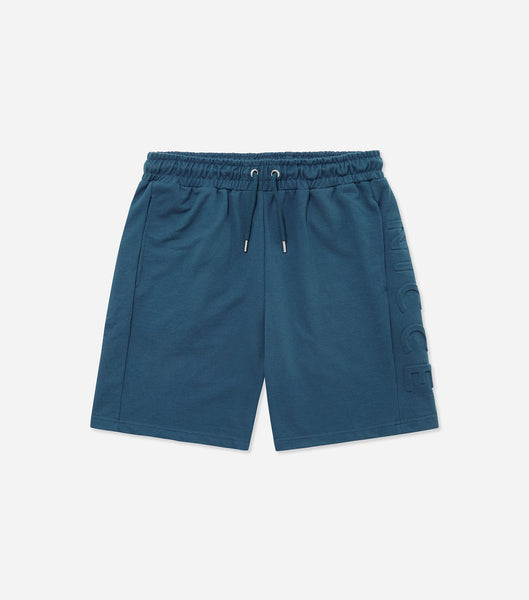 Patriot short in majorca blue. Features light weight loop back fabric, embossed leg branding, elasticated waistband with drawcord. Pair with Patriot t-shirt.