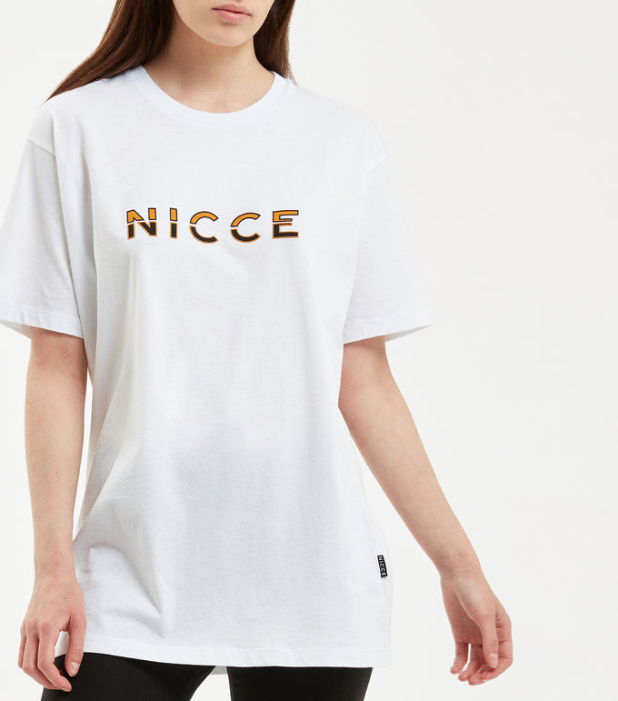Slice t-shirt in white. Features original unisex fit and two colour raised rubber split logo branding. Pair with NICCE Vivid jogger.