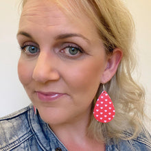 Load image into Gallery viewer, Sweet hearts selfie. Red and light pink teardrop earrings. Faux leather with silver coloured hooks.