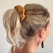 Load image into Gallery viewer, Tan faux leather hair scrunchie pony tail