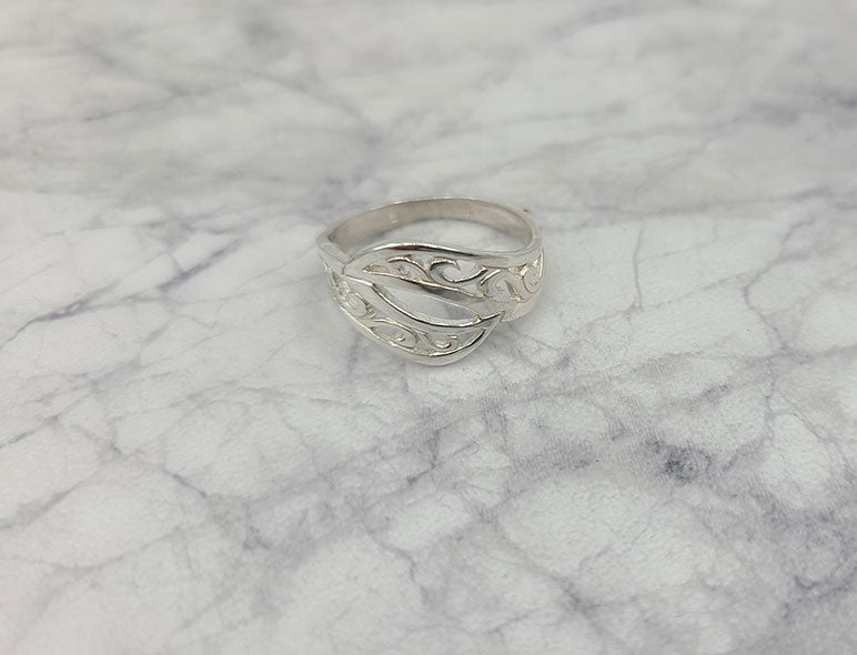 Swirls Ring